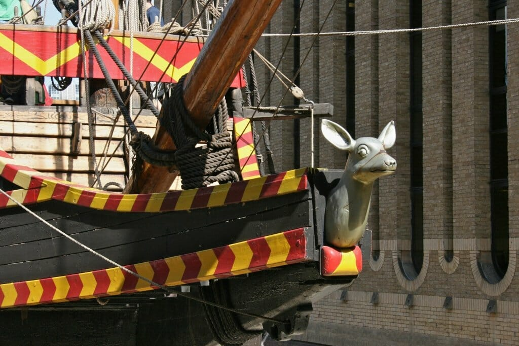 Golden_Hind_replica,_London_1